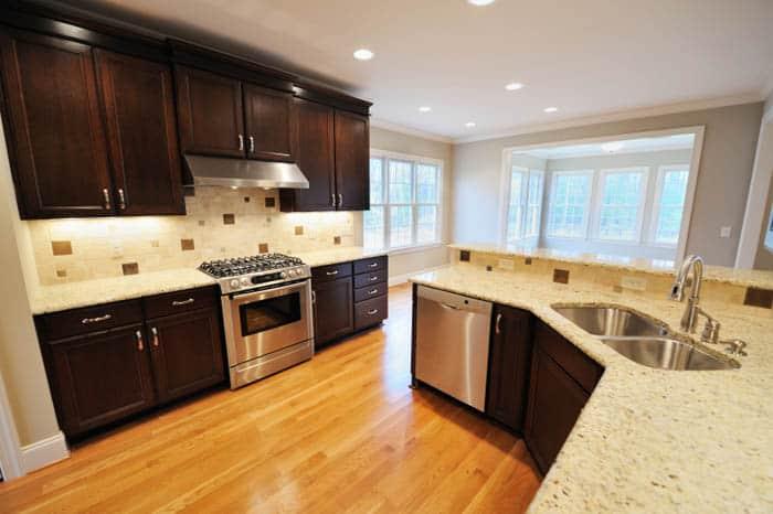 giallo-ornamental kitchen
